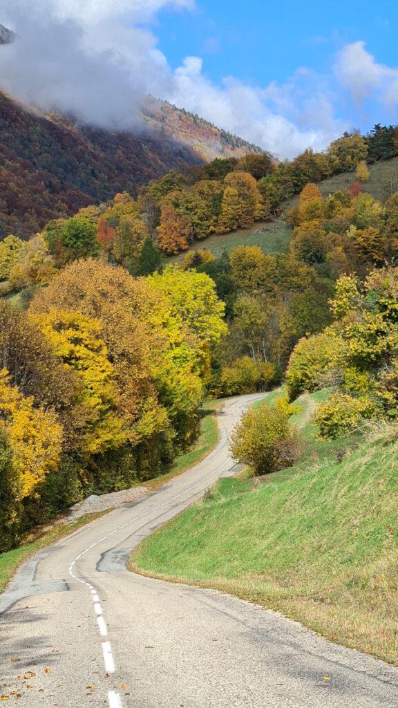 photo de route automne paysage chartreuse