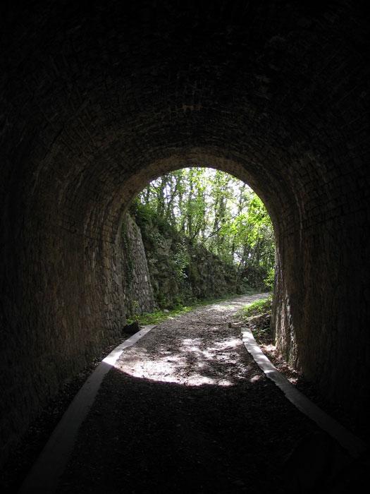 tunnel voie du tram