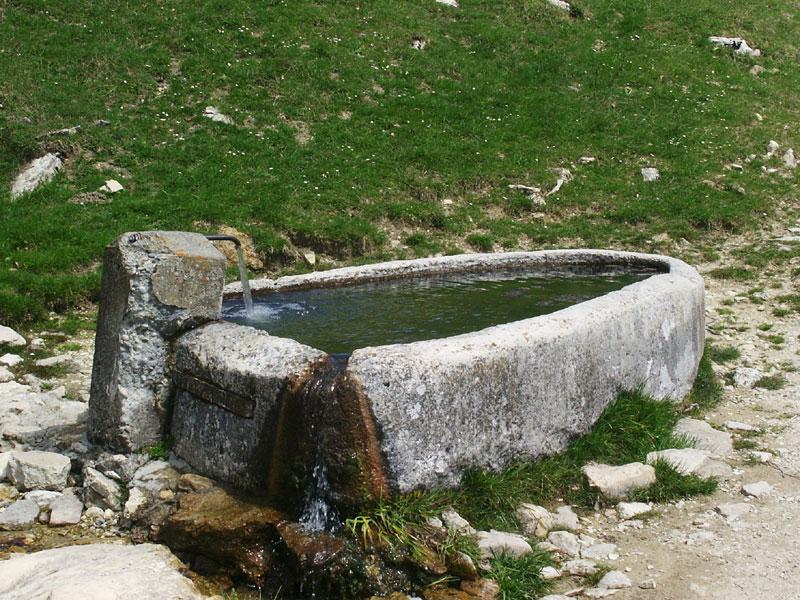 fontaine monolithique